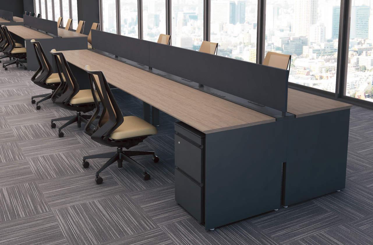 オフィスの大型ロングデスク
