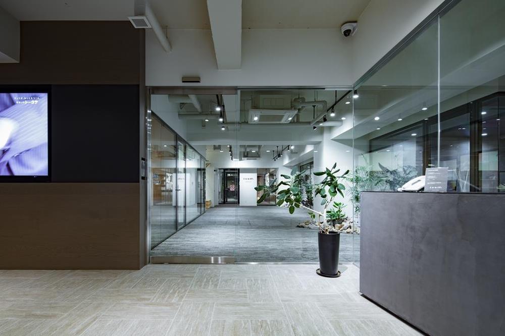オフィスのエントランス