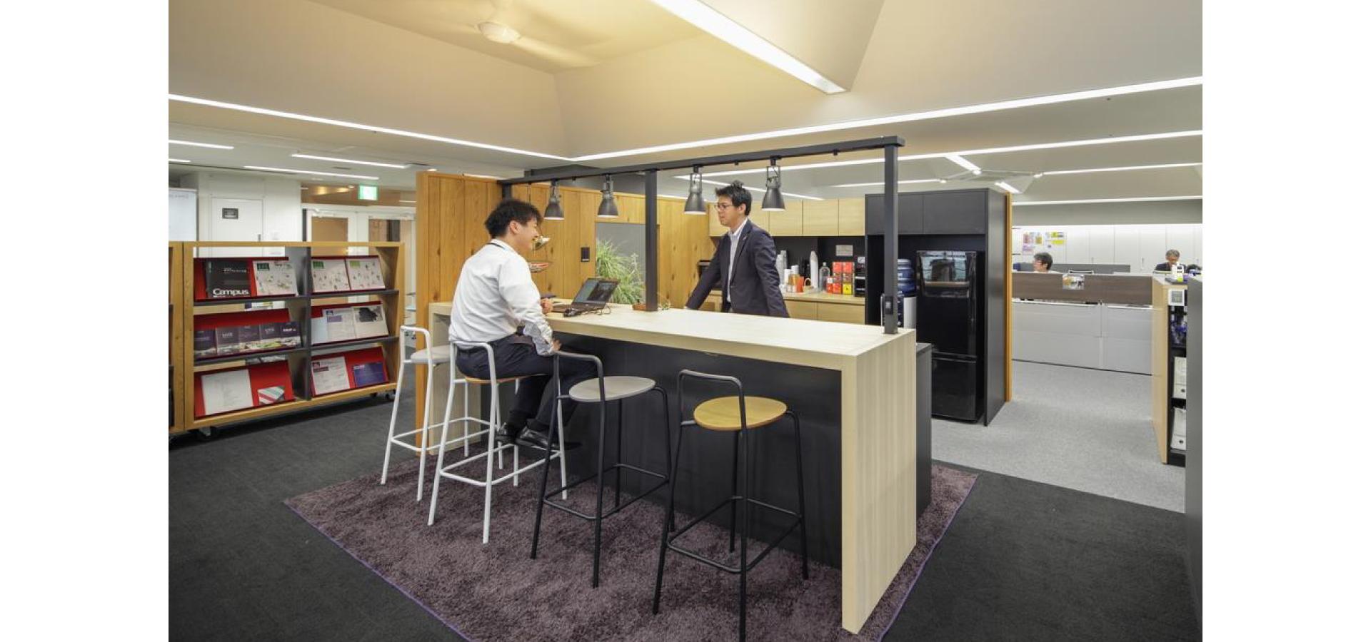コンパクトなオフィスカフェ