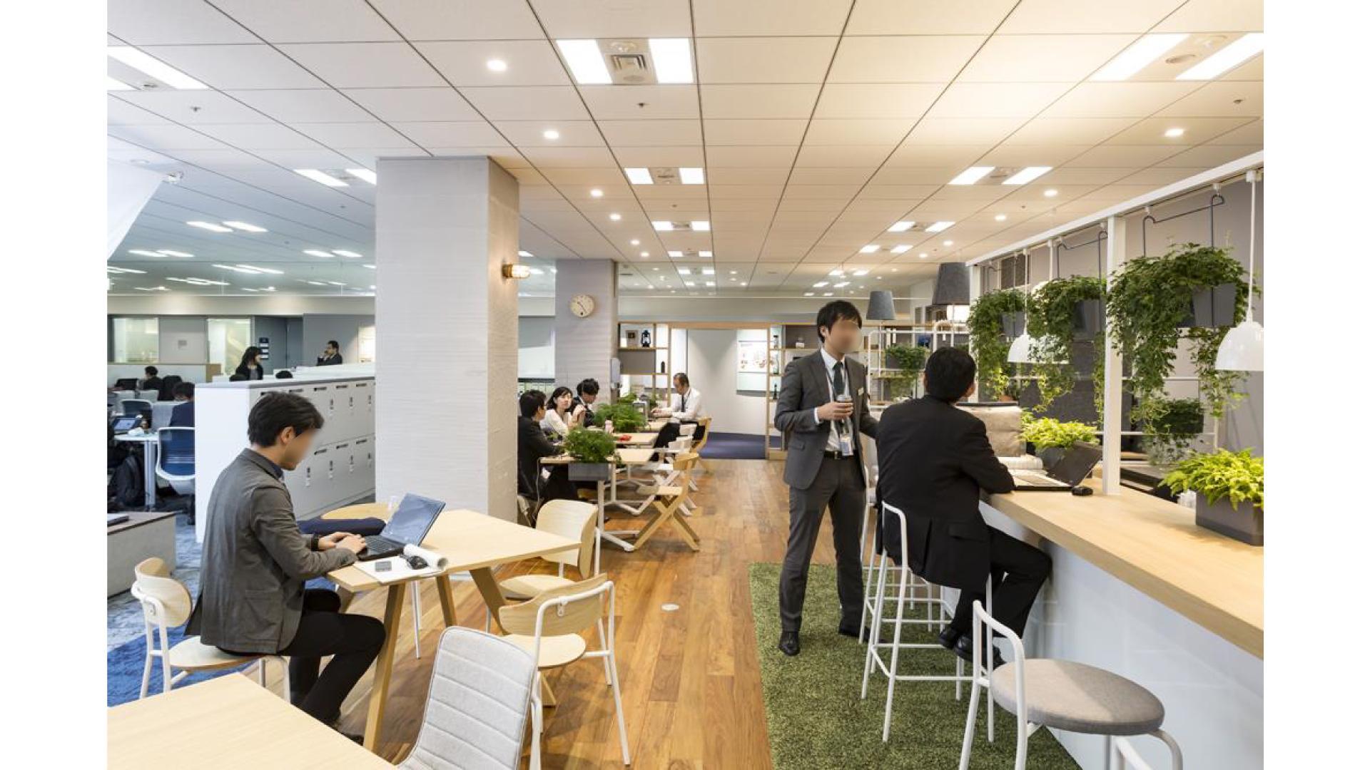 おしゃれなオフィスのカフェスペース