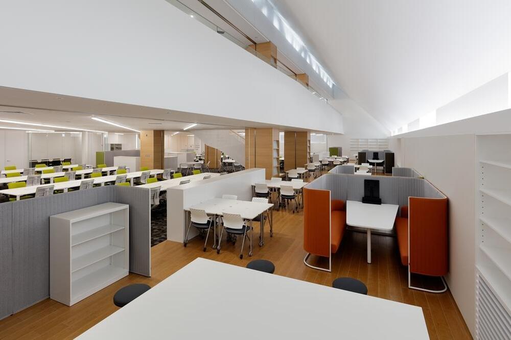 モランボン様の綺麗なオフィス